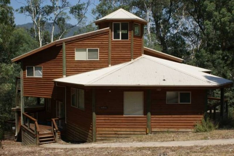 The Polehouse - Close to Mt Buller entry gates, holiday rental in Mirimbah