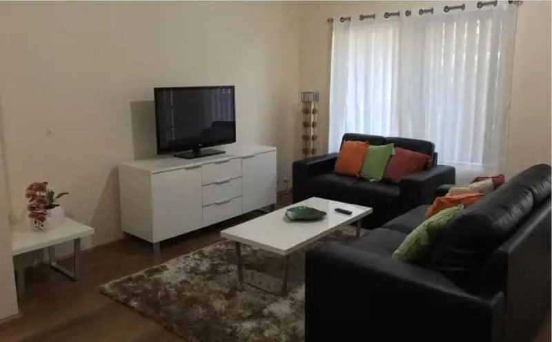 Warm and cosy accommodation that is equipped to be a home away from home, vacation rental in Shelley