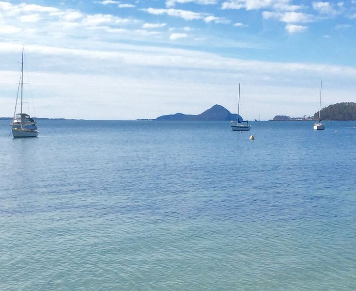 Absolute Waterfront , looking across the bay., vacation rental in Salt Ash