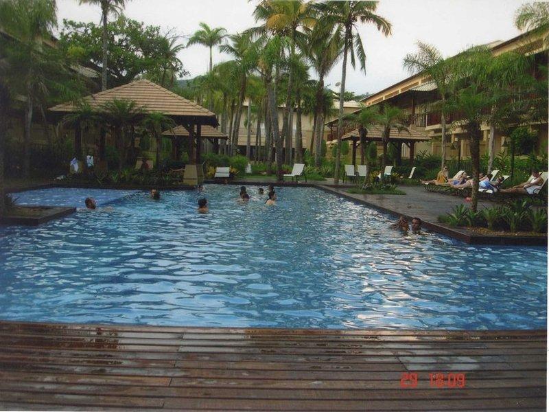 Apto 3 dorm. Enseada em luxuoso condomínio com piscina frente ao mar, location de vacances à Guaruja