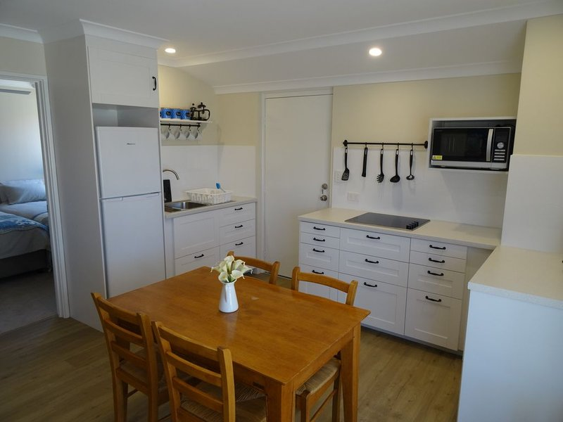 Spacious, 1 Bedroom Apartment, holiday rental in Canning