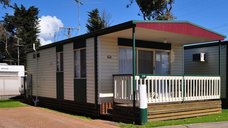 Dylene Holiday Park Portarlington - Deluxe Cabin, vacation rental in Werribee