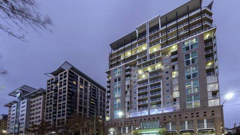 Adelaide Penthouse, 96 North Terrace, location de vacances à Walkerville