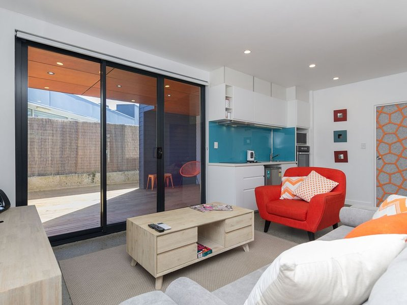 Sunset Place Apartments-The Orange Ground, holiday rental in Scarborough