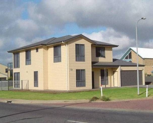 Karma Waters Beach House, holiday rental in Middleton