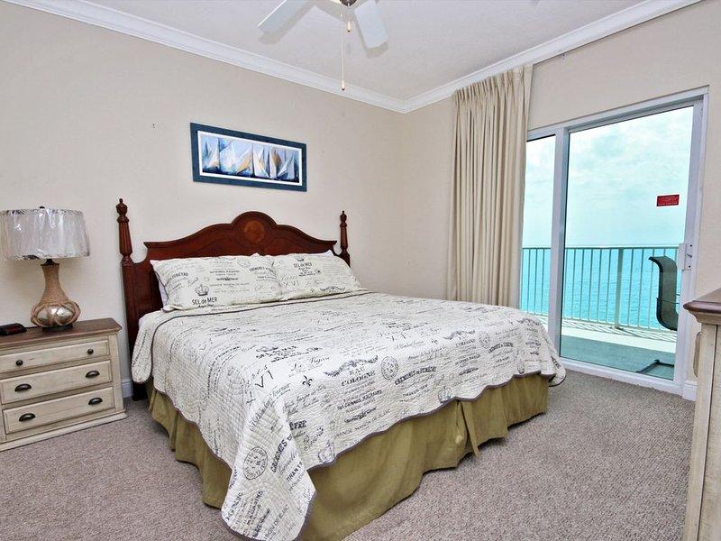 Condo au 10e étage avec vue sur la plage depuis le lit king-size