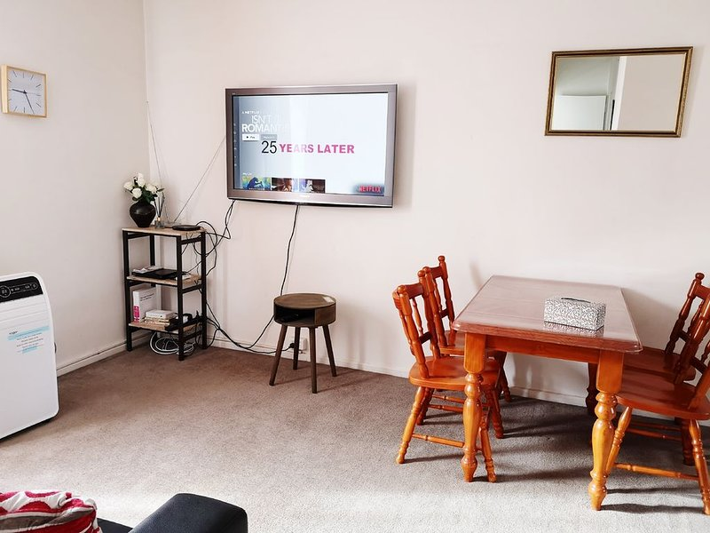 Hawthorn East 2 Bedroom Apt Wifi Netflix Parking quiet, vacation rental in Hawthorn