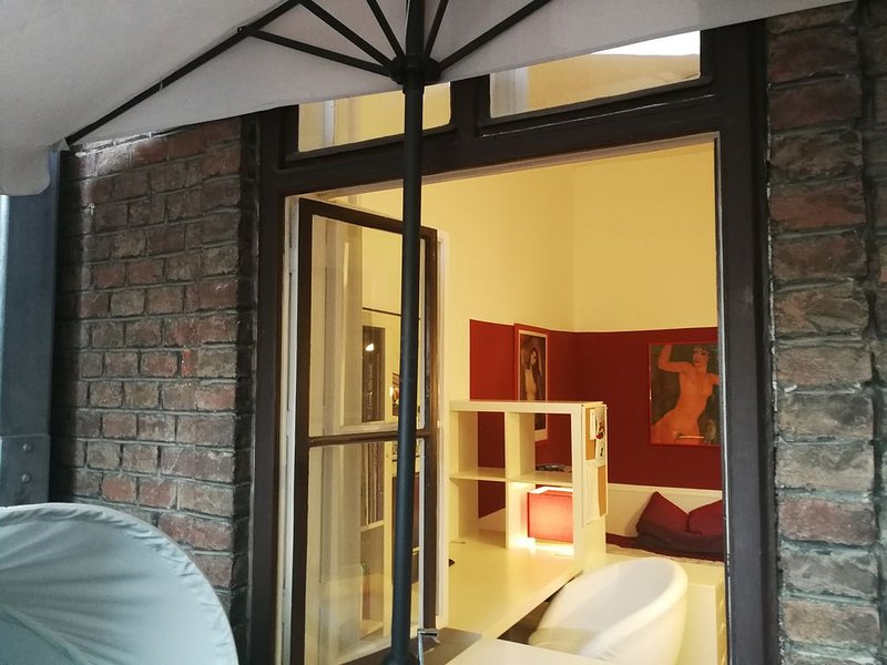 Urban - Loftstyle  -  YOUR private apartment in central Vienna, holiday rental in Vienna
