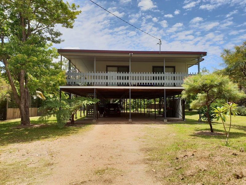 'Lorraine's Shack' - hosted by North Coast Lifestyle Properties, holiday rental in The Pocket