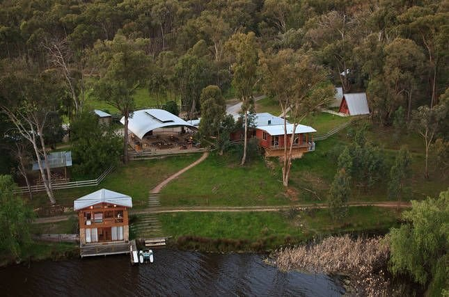 Fawlty Farm in Taylor Bay with 3 FREE experiences, holiday rental in Eildon