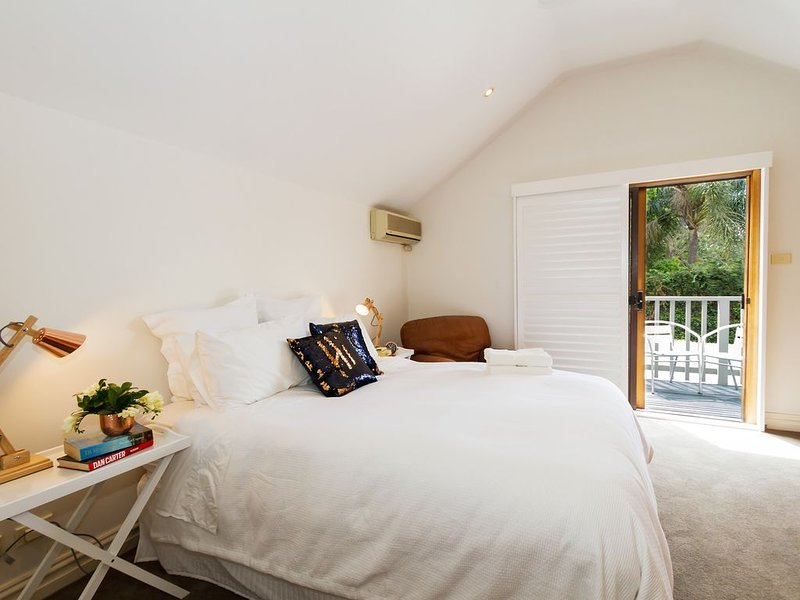 Exclusive House 10 minutes from Sydney City, holiday rental in Summer Hill