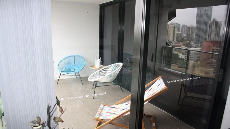 Ocean Views Overlooking Surfers Paradise Beach 1174, holiday rental in Gold Coast