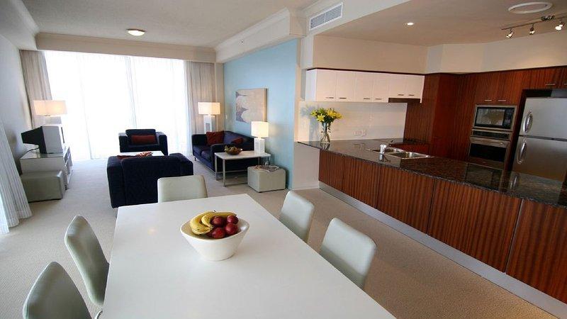 **NOV from $145 per night** - 2 Bedroom Apartment - Surfers Paradise, location de vacances à Bundall