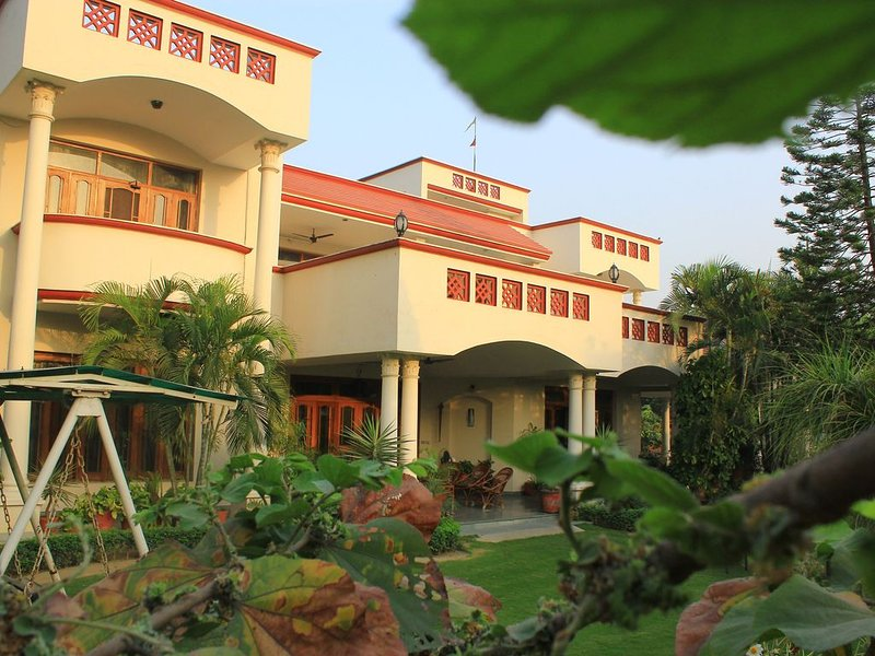 Savrupson Modern Villa ( Bed & Breakfast ), vacation rental in Jalandhar District
