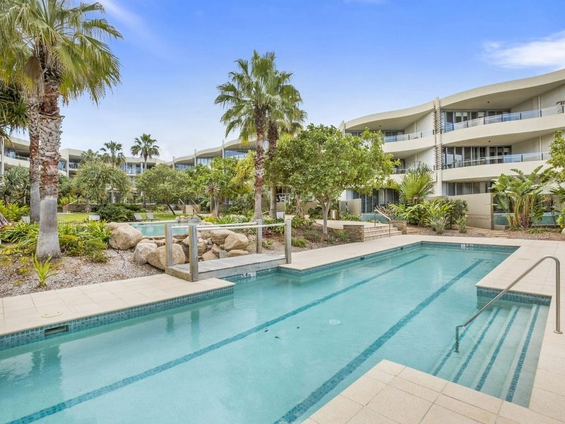 COTTON BEACH APARTMENT 33 WITH POOL VIEWS, holiday rental in Cabarita Beach