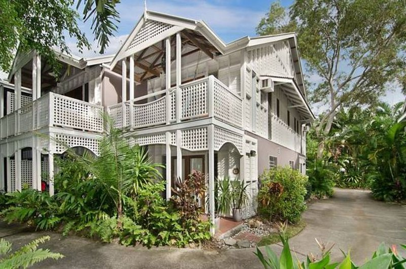 Everything a family needs - including bikes!, vacation rental in Port Douglas