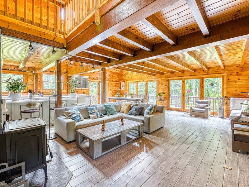 Luxurious & Enchanting Hudson Valley / Catskills / Upstate NY Log House, alquiler de vacaciones en Red Hook