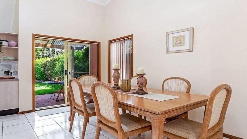 Shoal Bay Beach 3 bedroom town house with room for the boat., vacation rental in Shoal Bay