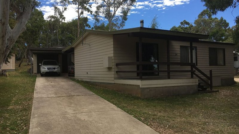 Pikes Cottage Old Adaminaby, holiday rental in Braemar Bay