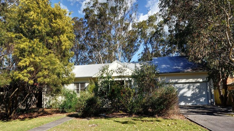 Summer Cottage - Bowral Street, vacation rental in Hawks Nest