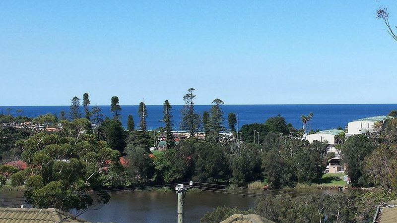 Beach escape - Great Views, casa vacanza a Avoca Beach