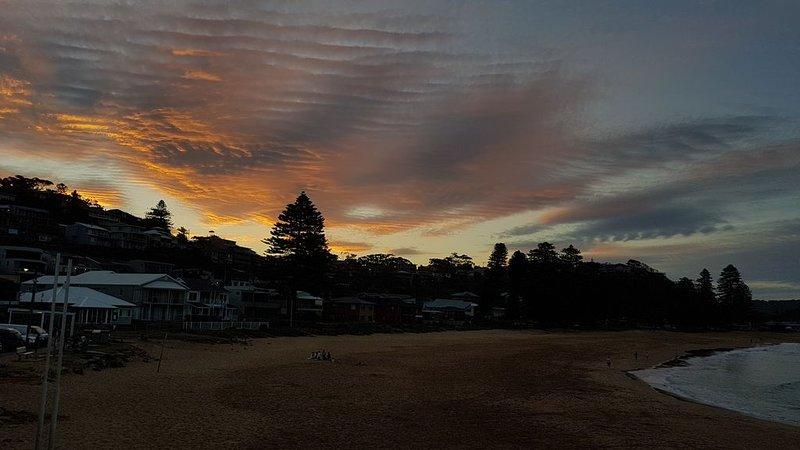 Sunsets at Sunsets Surfclub sur la plage