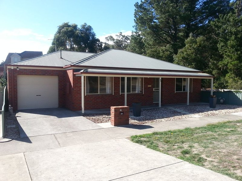 Minard Accommodation - Mount Clear, holiday rental in Buninyong