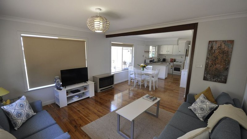 Griffin Place - cottage stay, holiday rental in Griffith