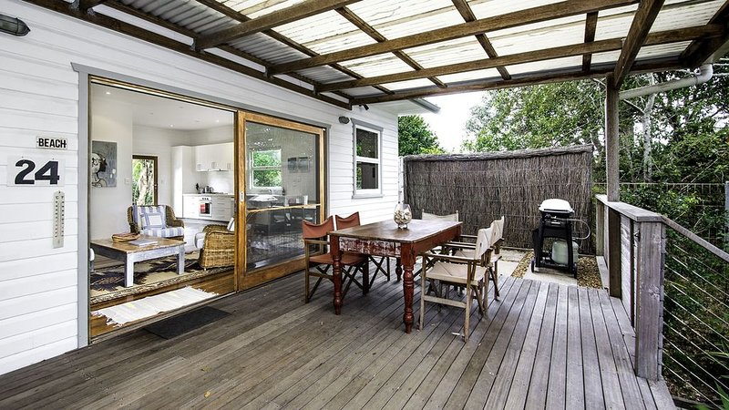 'Twin Waters' - hosted by North Coast Lifestyle Properties, holiday rental in The Pocket
