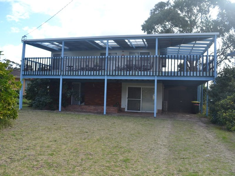 Broulee Beach House - Broulee, NSW, vacation rental in Moruya