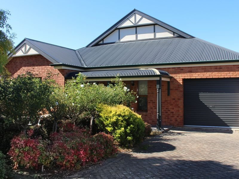 Willow Rose House - Quiet Romantic Getaway, holiday rental in Strathalbyn