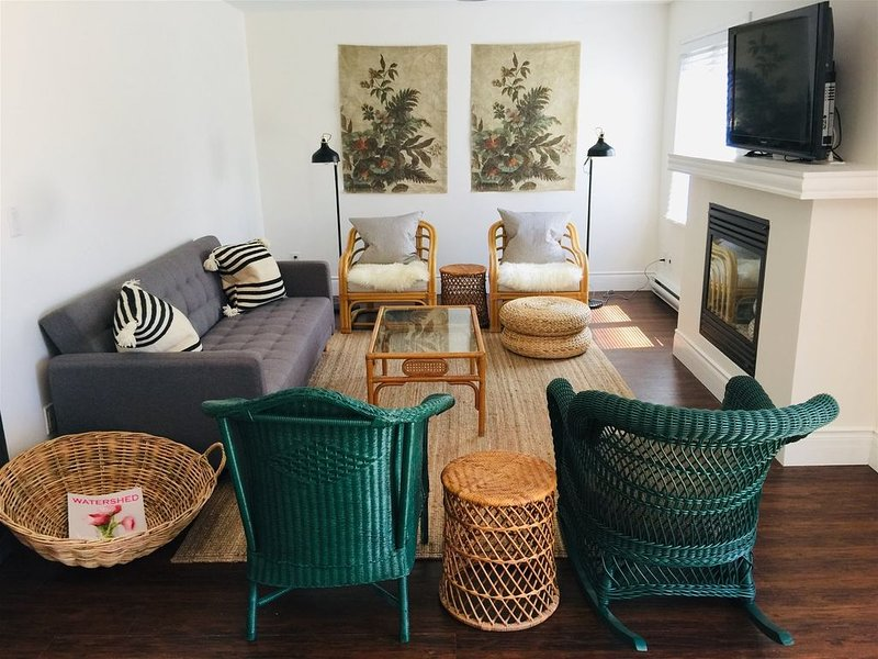 Large 3 Bedroom Pet-Friendly Apartment in Wellington, vacation rental in Ameliasburg