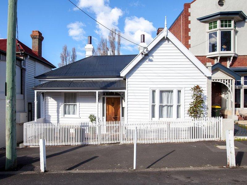 artstay Hobart: 1890's inner city cottage, Ferienwohnung in Fern Tree