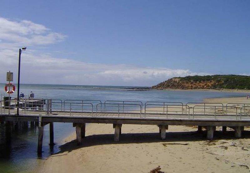 Barwon Shores Holiday Villa, holiday rental in Barwon Heads