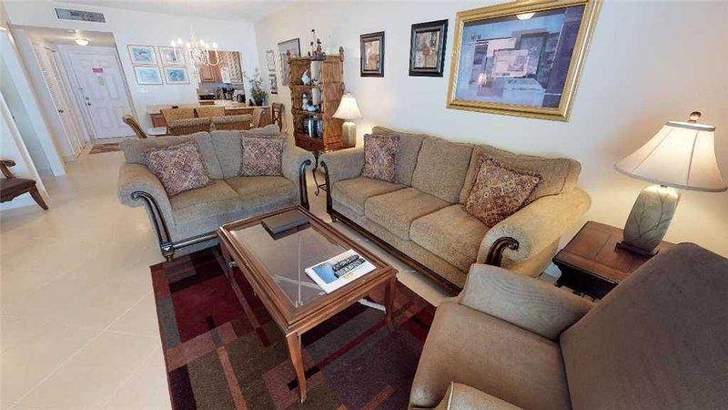 2 Bedroom Flat - Ground Floor Oceanfront, vacation rental in Seven Mile Beach