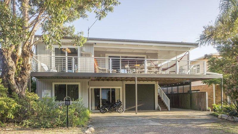 Rennies Retreat-Bushland & Ocean Views, casa vacanza a Ulladulla