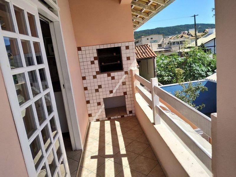RESIDENCIAL PRAIA BOMBAS -  Apto com 1 dormitório, holiday rental in Bombinhas