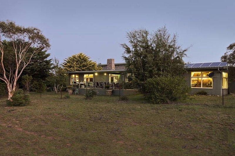 The Range Lodge, Top of Barney's Mountain Range, holiday rental in Braemar Bay