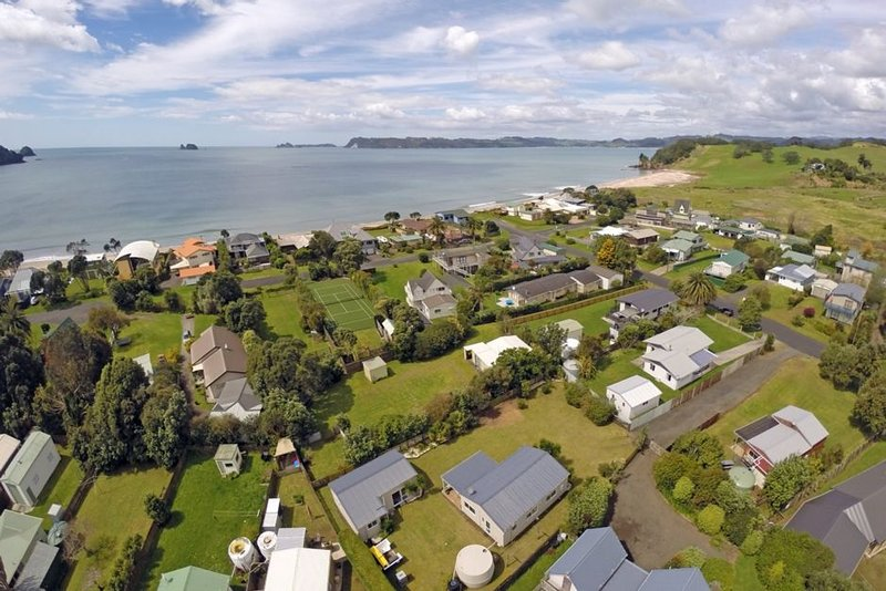 Nestled in the heart of Wharekaho - Simpsons Beach, holiday rental in Whitianga
