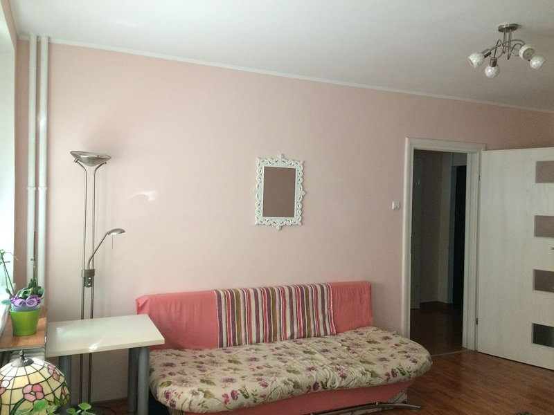 Mozaic Home - appartment just in front of the subway, holiday rental in Chiajna