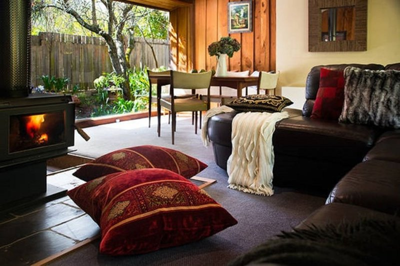 Musk Creek Hollow- Pet friendly- Japanese inspired cabin  10% off weekly stays, holiday rental in Trentham