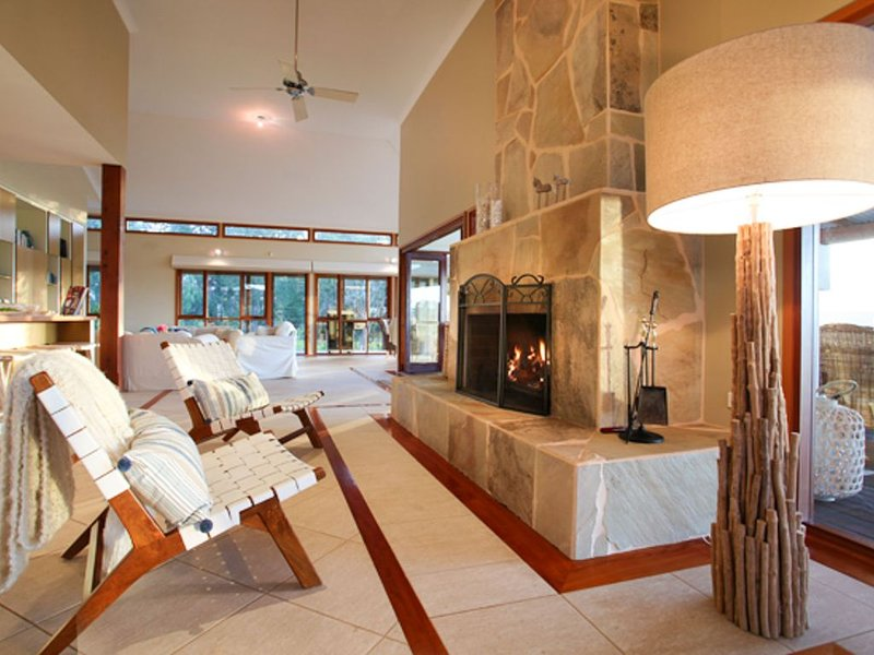 Kookaburra Lodge.Luxurious and spacious home with stunning views., holiday rental in Yallingup