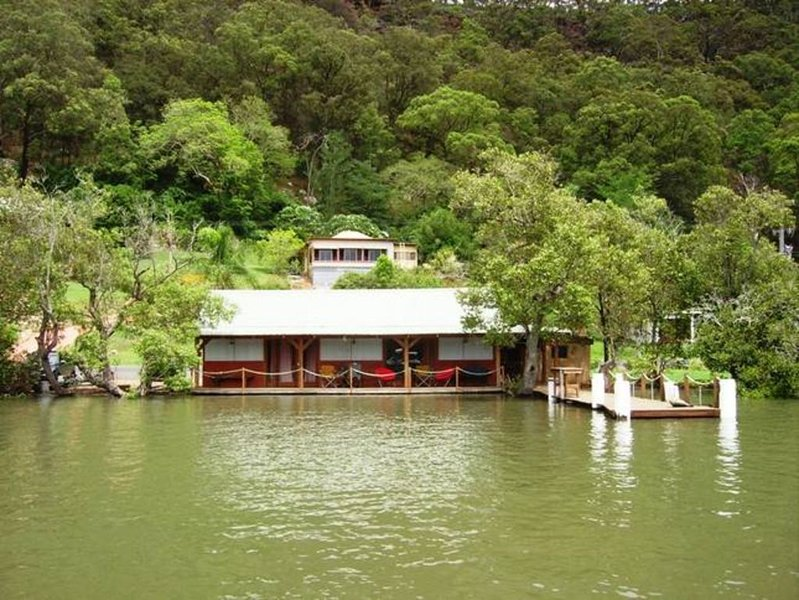 Cottage on the hill with optional Boatshed on the River. Jetty and Verandah