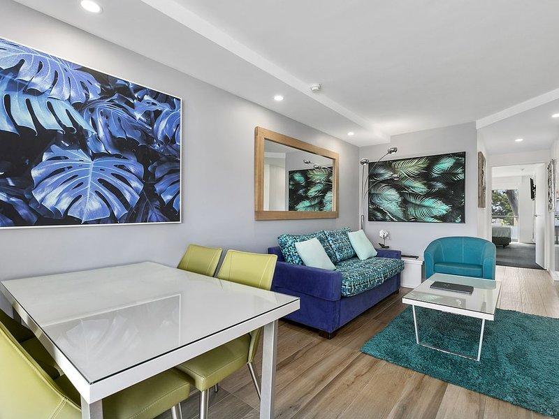 Wantima Hastings Street 2 bedroom WiFi Foxtel Netflix, vacation rental in Noosa North Shore
