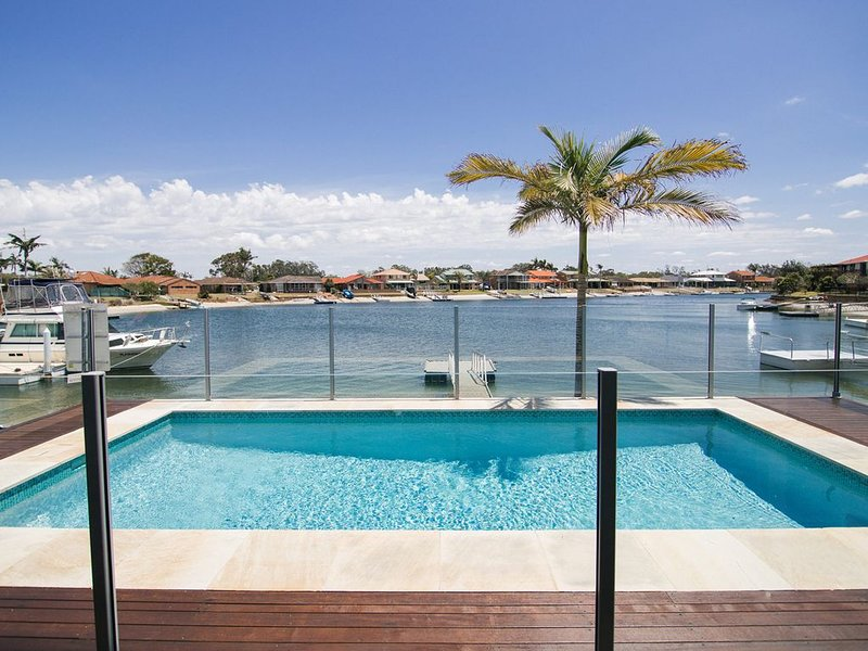Sandy Shores - Your waterfront haven in Yamba, holiday rental in Maclean