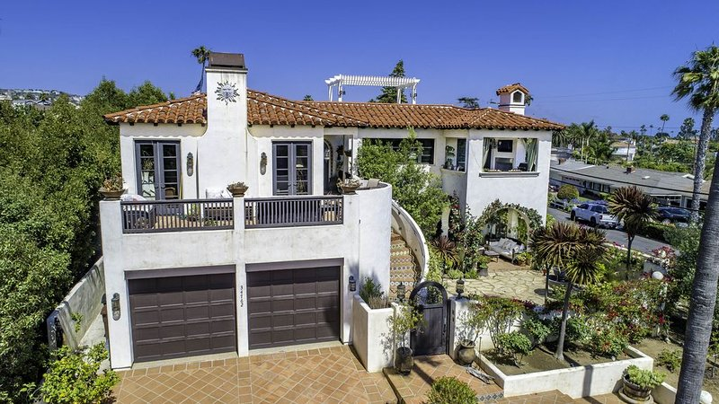 Gorgeous Ocean View Spanish Villa, holiday rental in Dana Point