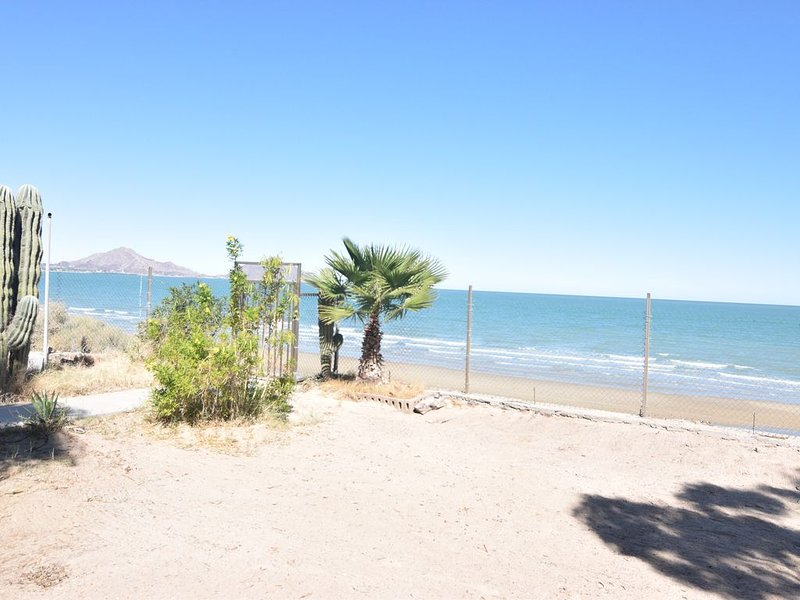 Enormous Luxury Home on the BEACH!!, holiday rental in San Felipe