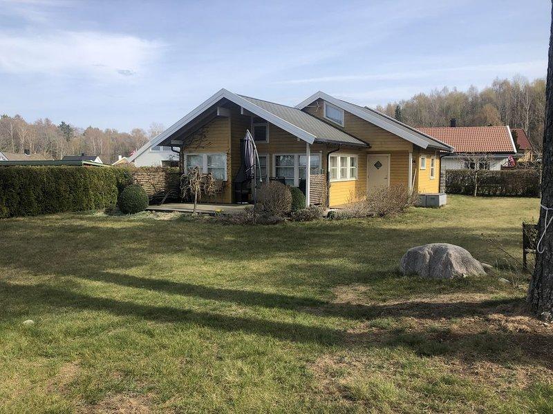 Sjarmerende feriehus/hytte ved Fuglevik Marina, Rygge/Moss, 50 minutter fra Oslo, holiday rental in Eastern Norway