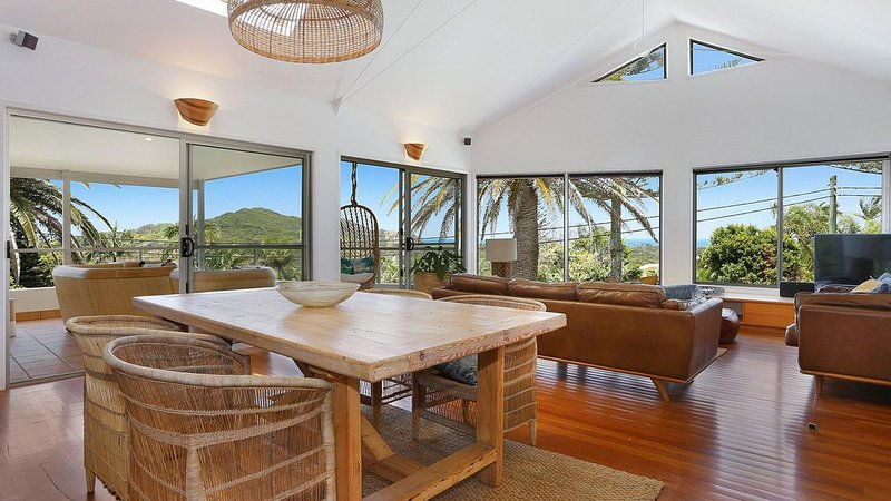 EAST COAST ESCAPES | Lighthouse Lodge, holiday rental in Byron Bay
