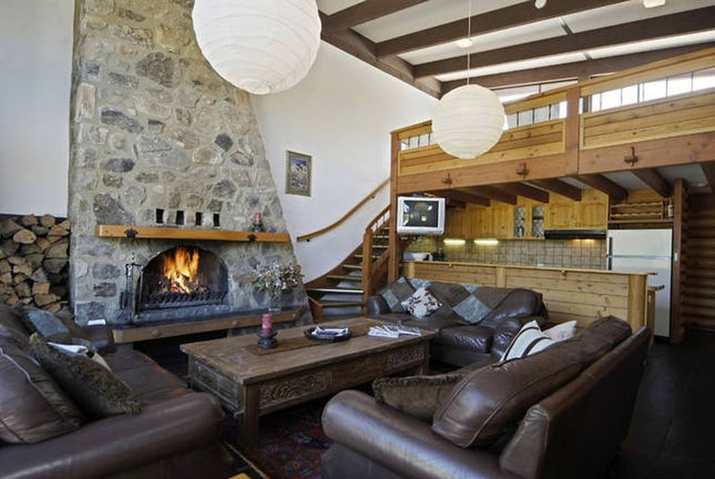 Pender Lea Chalet -Sleeps 10, aluguéis de temporada em Perisher Valley